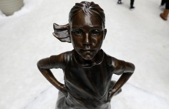 Fearless Girl remains on Wall Street
