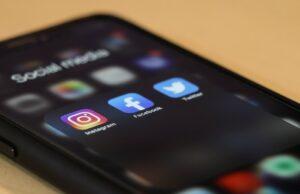 Social media apps on a phone.